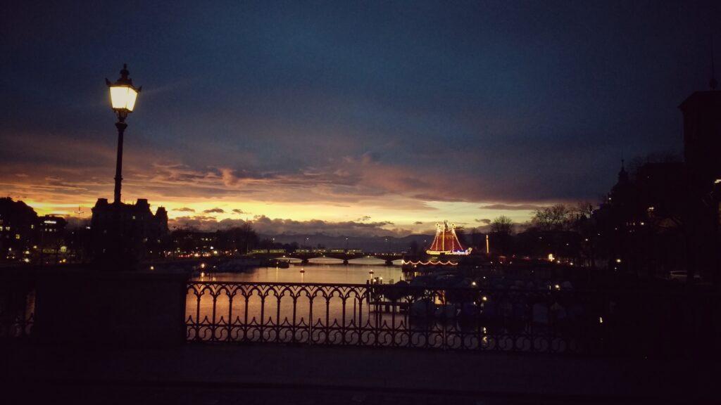 Zuerich Sonnenaufgang